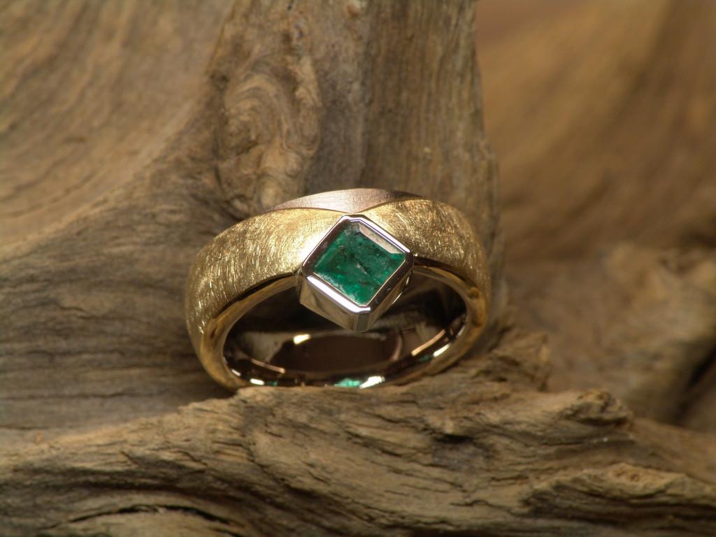 Ring für Linder Hanna mit Smaragd (3)